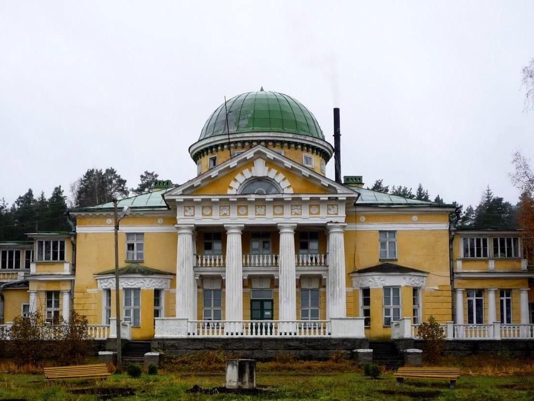 Храмы и усадьбы вокруг озёр Череменецкого и Врево