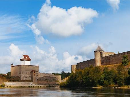 Две крепости— Два государства (наличие Шенгенской визы изагранпаспорта обязательно!)