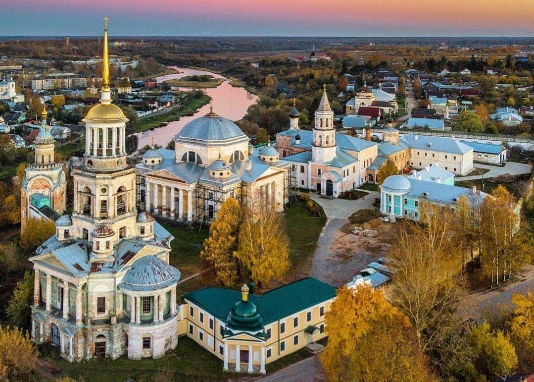 Торжок: «русская Италия», барская усадьба XVIII века, великие стихи Пушкина и церковь без единого гвоздя