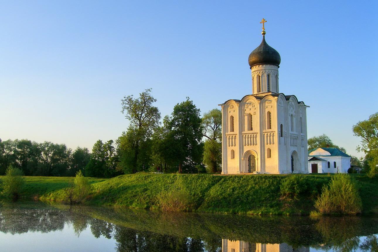 Боголюбово и Покров на Нерли. Княжий замок и символ России