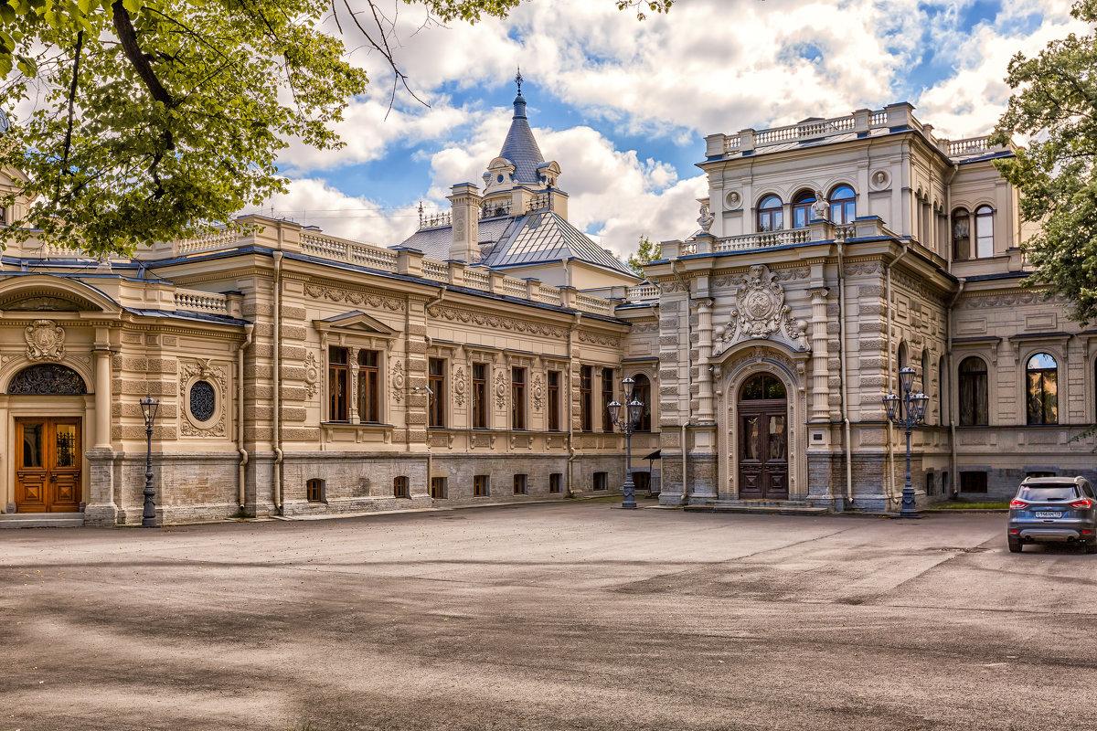 Памятник Столыпину и Большой Петровский мост