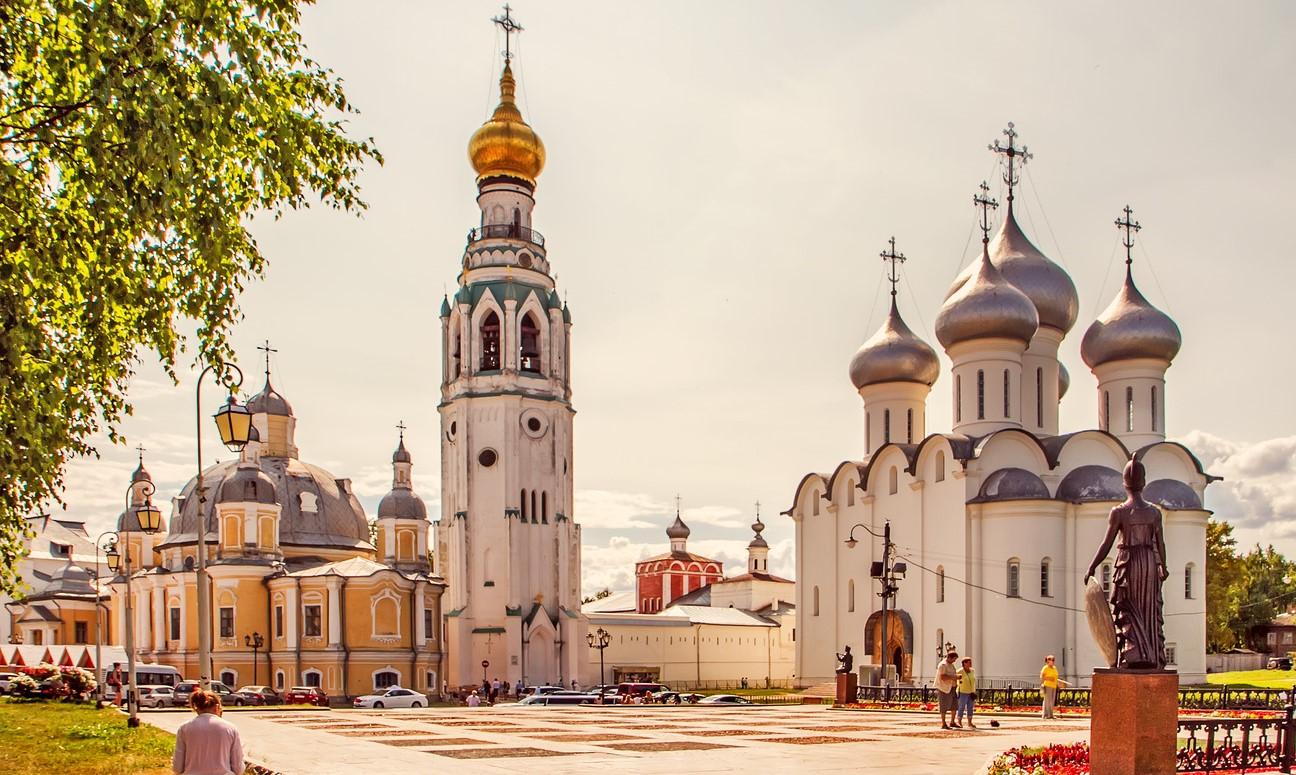 Кремлёвская площадь. Дом Софии и Воскресения