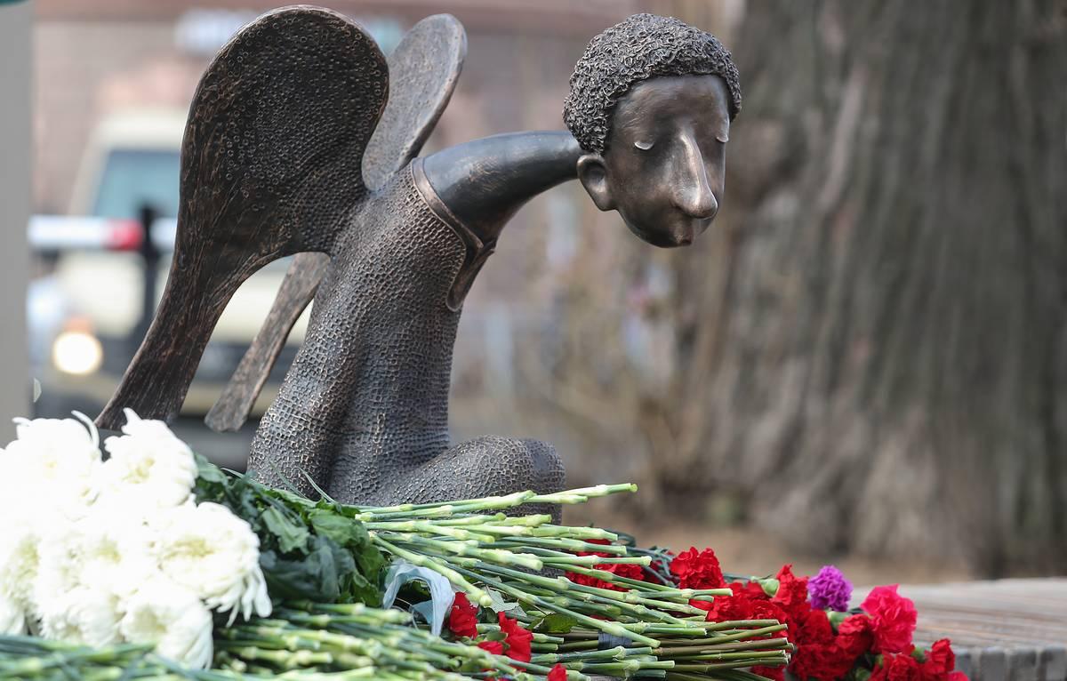 Печальный ангел – памятник врачам, погибшим от коронавируса
