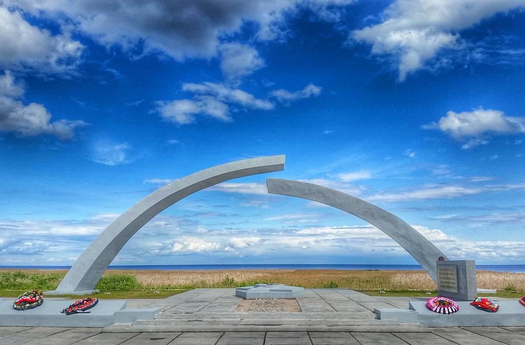 Разорванное кольцо и станция Ладожское озеро