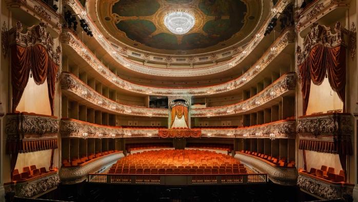 По местам балета в центре Петербурга