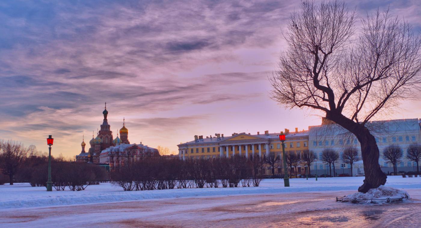 Площадь Суворова и Марсово поле