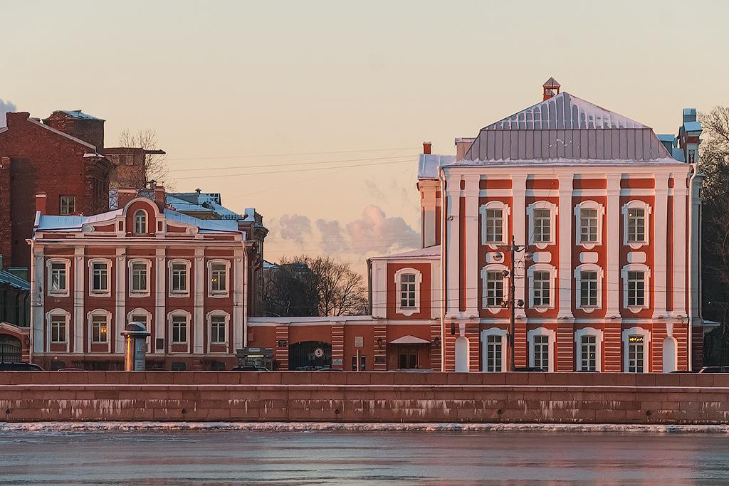 Здание 12 коллегий на Васильевском острове – проект Петра I.