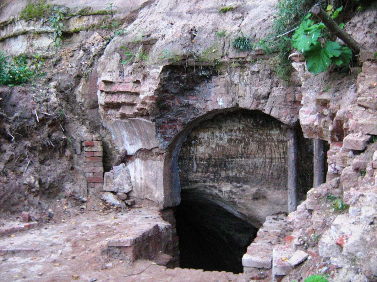 Доложская пещера